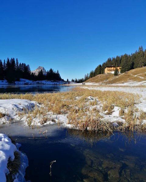 Berghotel Körbersee mit Hochkünzel Spitze Bregenzerwald #bregenzerwald_fan #bregenzerwald #Körbersee #Schröcken #landscape #austria #mountains ...