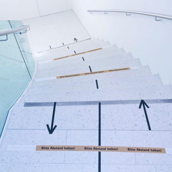 Weiterhin wichtig: Bitte Abstand halten! Still important: Please keep your distance! 📸 Dietmar Mathis #siganeltik #eventcenter #miteinanderfüreinander...