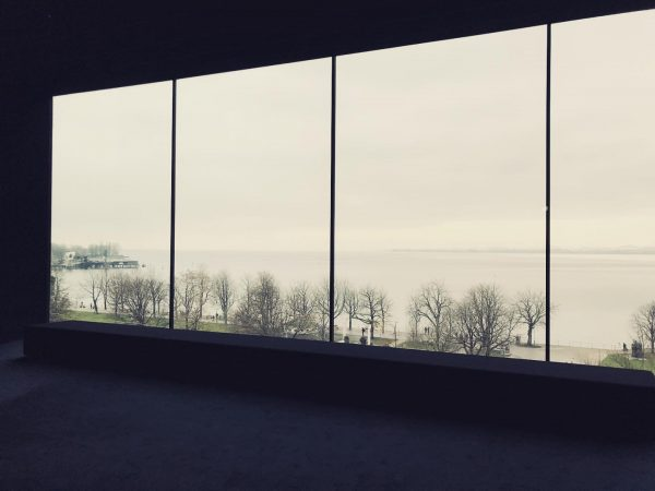 #stille #erholung #vorweihnachtszeit #aussicht #entspannung #blickschweifenlassen #bodensee #panoramaraum Vorarlberg Museum