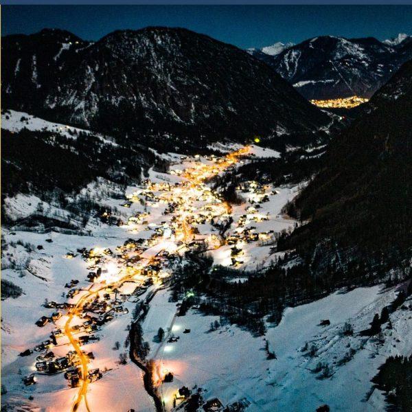 We 💛 Brand by night! Und du? #weihnachtsberge #winterwonderland #advent #walliserhof #brandnertal #visitvorarlberg ...