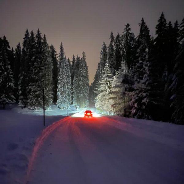 from zug to lech . . . #lechzuers #lechamarlberg #austria #vorarlberg #sportalplech #sportalpwaldhart #sports #work #fun #snow...