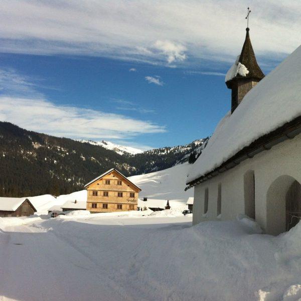 Das Jagdgasthaus Egender liegt im idyllischen Vorsäß Schönenbach und sorgt für unvergessliche Momente. ...