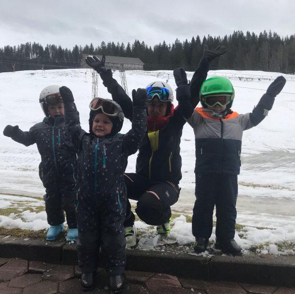 Start des Anfänger Skikurses in Sibratsgfäll am Krähenberg 🎿⛷❄️ #sibratsgfäll #kraehenberg #amrandederwildnis #visitvorarlberg ...