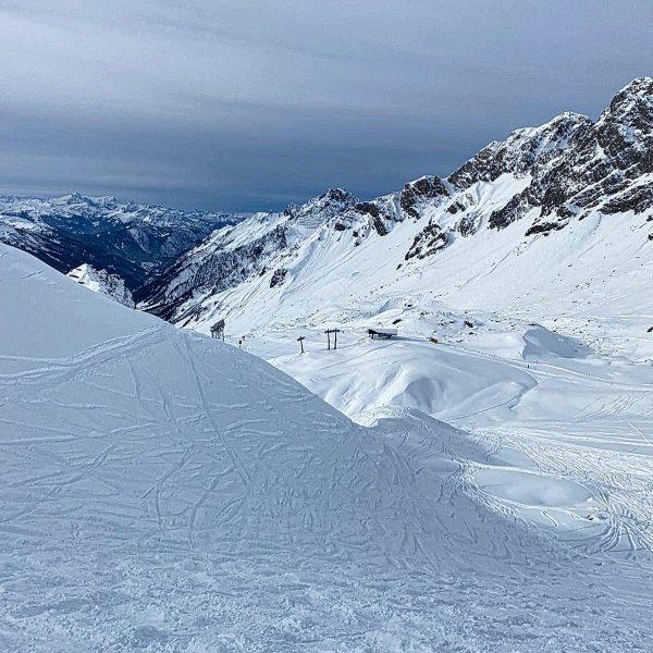 Es sind sehr schöne Tage am Arlberg. Es ist nicht viel los (nicht ...