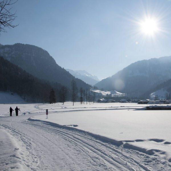 Unsere fleißigen Helfer haben Winterwanderwege und Skatingloipen in der Obere, Übere und im ...