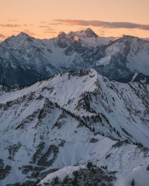 Morning glow on the Schesaplana 🏔️ ❄️ . . . #schesaplana #walserkamm #löffelspitze ...