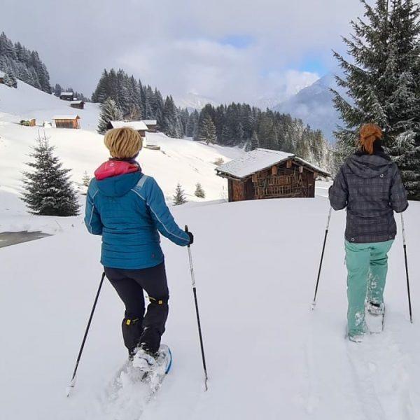 🌨️ Wir nutzen die Zeit zwischen den Jahren für ausgedehnte Schneeschuhwanderungen durchs frisch ...