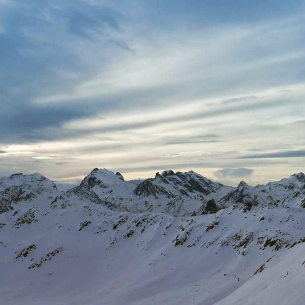 Ein traumhafter Skitag #Auftanken #dankbarkeitsmoment #seelebaumelnlassen #lifeisbetterinthemountains #silvrettamontafon #montafon Schruns Hochjoch