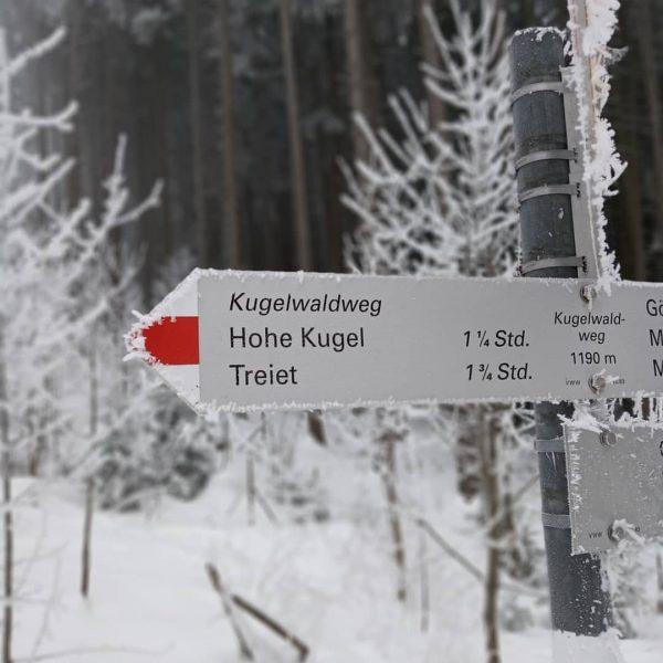 Schöner Wandertipp von @just_outdoor_activities 😊 RausAusDemNebel-Wanderung: Route: Millrütte Götzis ➡️ Kugelwaldweg ➡️ 🏁 ...