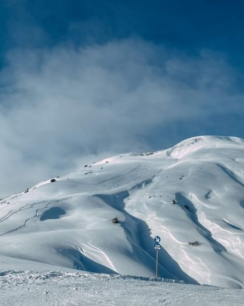 Blue bird day ⛷ Can you tell where this picture was taken? Let ...