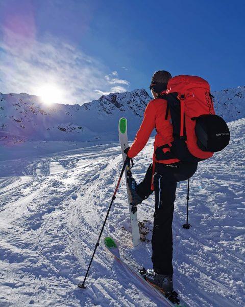 ☀🏔 ❄ ▪️ #meintraumtag #myortovoxstory #ortovox #skimountaineering #winter2020 #alpenverein #auszeitfürdieseele #kindderberge #mountainchild #indiebergbinigern ...