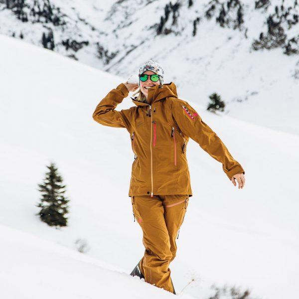 Eine Schneeballschlacht bringt nicht nur Kinderaugen zum Leuchten 🤩 #hausbraunarl #auroralech #lechzuers #lech #arlberg #schneeballschlacht #skiurlaub #winterurlaub...