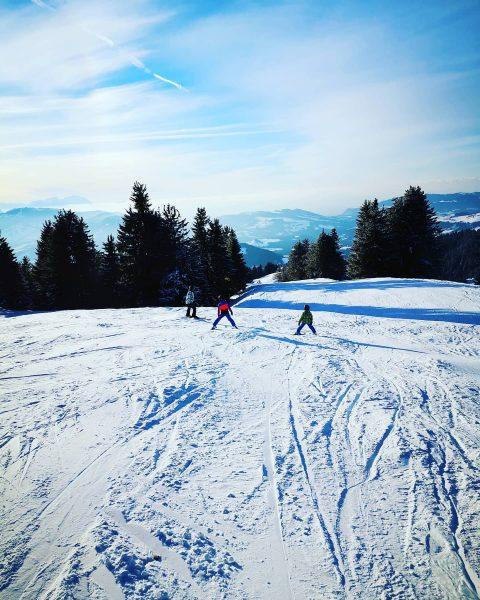 #hochhäderich #bregenzerwald #sun #familytime #instagood #instapic #instagram #goodtime #lifestyle #niceday #kinderaugen #ski #snow ...