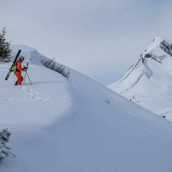 #freeride Schneebedeckte Berggipfel. #damuelsfaschina #visitbregenzerwald #visitvorarlberg #mittagspitze