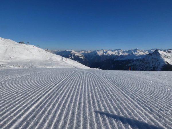 Der Berg ruft! Was für ein traumhafter Skitag - perfekt präparierte Pisten, strahlend ...