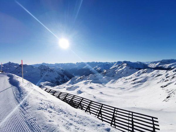 Wedr amol a Traumtägli im Paradies ✌️😎🔥 . #silvrettamontafon #skifahra #traumwetter☀️ #traumtag #bergeerleben #bergpanorama #dosenmiardahem #soschöbiüs #perfekterschnee...