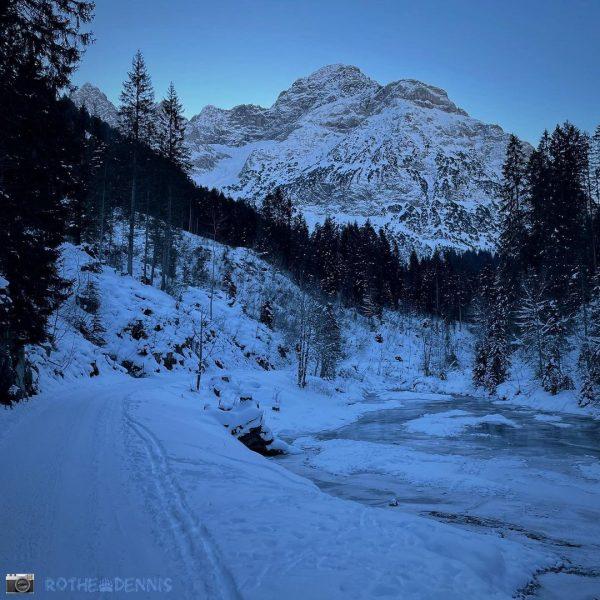 #skitouring #skibergsteigen #allgäueralpen #kleinwalsertal #baadkleinwalsertal #gamsfuß #draussenzuhause #kurzurlaub #rausindienatur #rausundmachen #herumtreiber #anderfrischenluft Baad ...