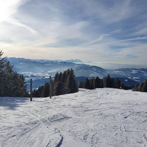 Kurzer Schiausflug mit Großmutti und Großvati auf den Hochhäderich im Bregenzerwald :) #hochhäderich ...