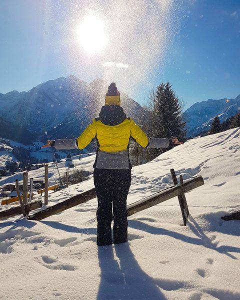 Sunday, funday . . . #kleinwalsertal #kleinwalsertaltravel #kwt #visitvorarlberg #vorarlberg #austria #visitaustria #austrianmountaingirls #bavarianmountaingirls #germanmountaingirls #alpingirls #outdoorwomen...