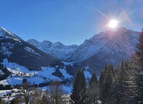 Ein weiterer Sonnentag, den es zu nutzen gilt🌞❄ #winter #sonne #sonntag #winterwandern #winterwonderland #januar2021 #corona #lockdown #berge...