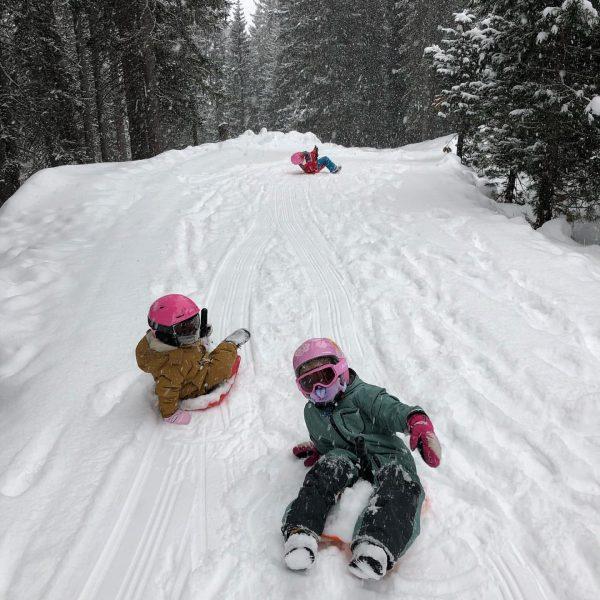 #winterwonderland #lockdown #arlberg #zeitwertgeben #dasbestedrausmachen #lechzuers #bobfahren #spaß #derarlberghatnochmehrzubieten Lech Zürs am Arlberg