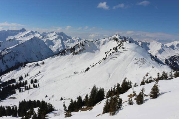 Erinnerungen an den letzten Skiurlaub im Kleinwalsertal ❤️ #kleinwalsertal #walmendingerhorn #2000m #mittelberg #skiurlaub ...