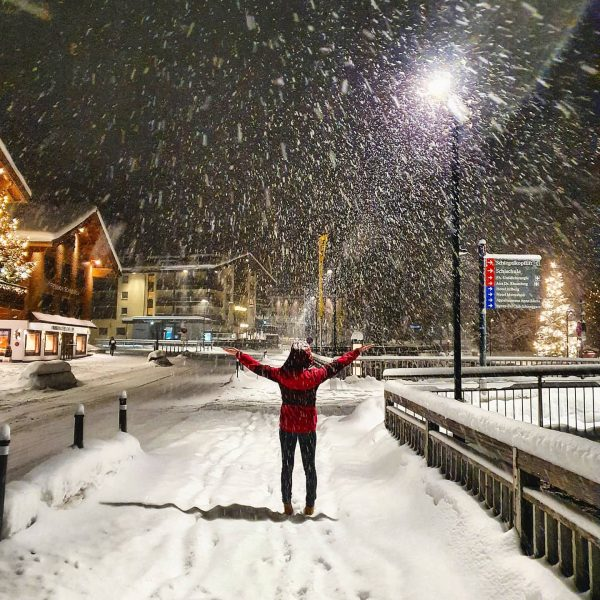 ❄SNOW❄ IS IN THE AIR! 🤩 . . #cantwait2ski #snow #snowwoman #snowman #nosnownoshow #welovesnow #snowdance #snowland #winterwonderland...