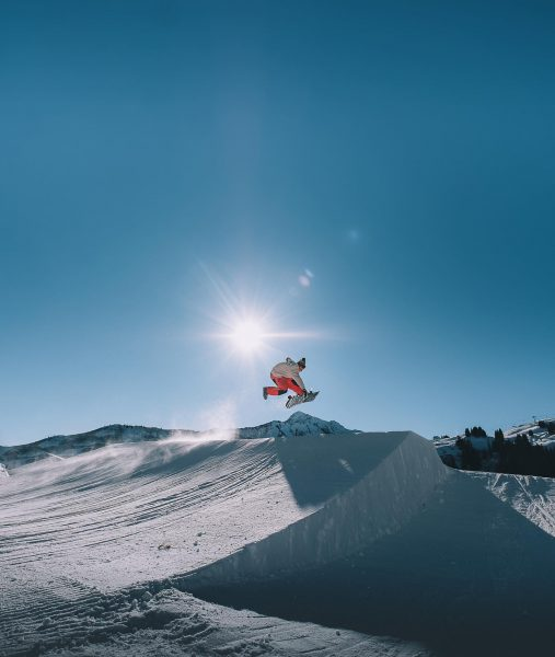 @paul_mc_caul sending a one-footer @snowparkdamuels ✨ #darrenfeels Skigebiet Damüls - Mellau