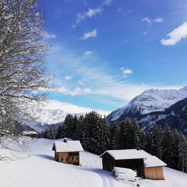 Heimat 😊 #mountains #wanderlust #vorarlbergwandern #vorarlberg #meinmontafon #bluesky #neuschnee #amazing #outdoor #bergwelten #heimat #hotelbergerhof Bartholomäberg