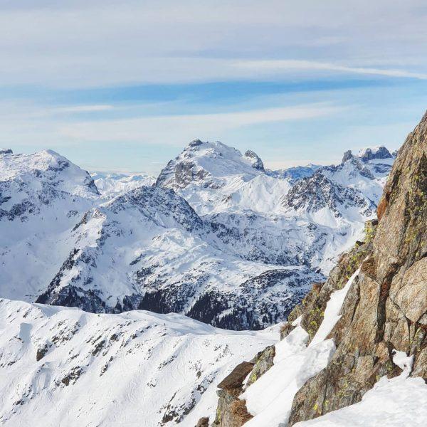 Ready for more snow these days ❄❄❄❄❄❄ #forecast #sulzfluh #dreituerme #meinmontafon @meinmontafon @silvrettamontafon #silvrettamontafon #bergpic #visitvorarlberg @meintraumtag...