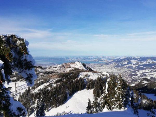 Der Winter zeigt sich derzeit von seiner schönsten Seite ☃☀ #emspiriert #hohenems #mountains #winter #hiking #vorarlberg #austria...