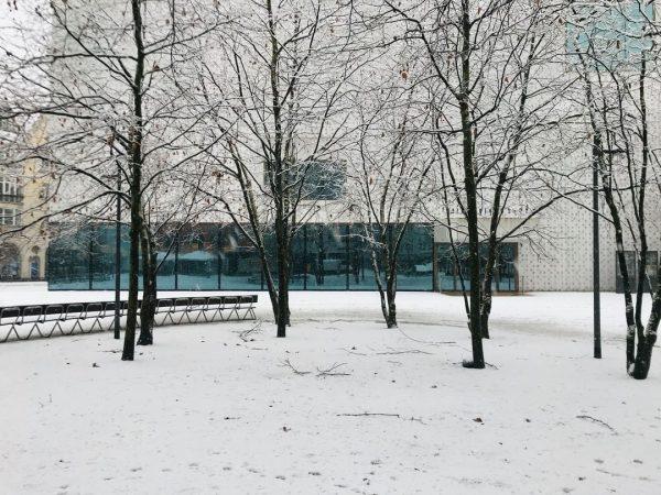 #schneetreiben #winterwonderland #wintergenuss #kornmarktplatz @visitbregenz @landeshauptstadt_bregenz #schneegestöber