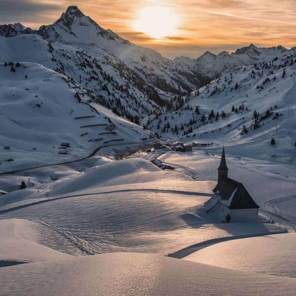 Warth-Schröcken Warth-Schröcken, Vorarlberg ❄️ 📸 by @michaelmeusburger #warthschröcken #vorarlberg #visitvorarlberg #österreich #österreich🇦🇹 #austria ...
