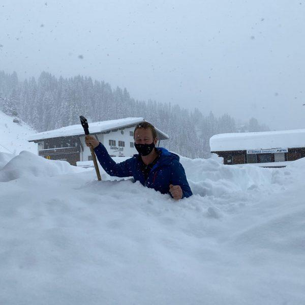 powder anyone? 🤩 . . . #sportalplech #sportalpwaldhart #austria #vorarlberg #mountains #alps #arlberg #lechamarlberg #lechzuers #omeshorn #snow...