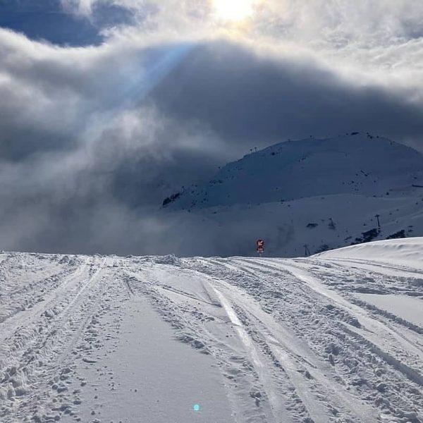 ☃POWDERALARM☃ Frau Holle hat für eine tief verschneite ❄️ Winterlandschaft gesorgt. 💙 Jetzt ...