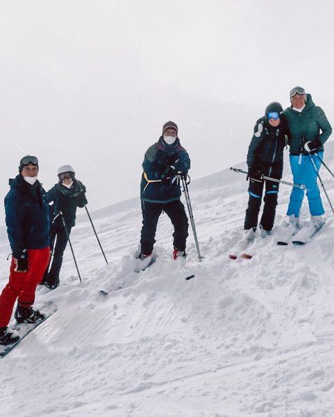 D: Skifahren ist das leiwandste 🤤 Wir genießen die Zeit auf der Piste ...