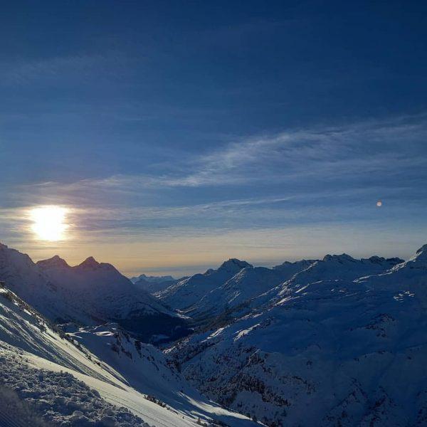 ... an other day in peradise... #lechzuers #winterwonderland #aperfecday #skitour @lechzuers Lech, Vorarlberg, ...