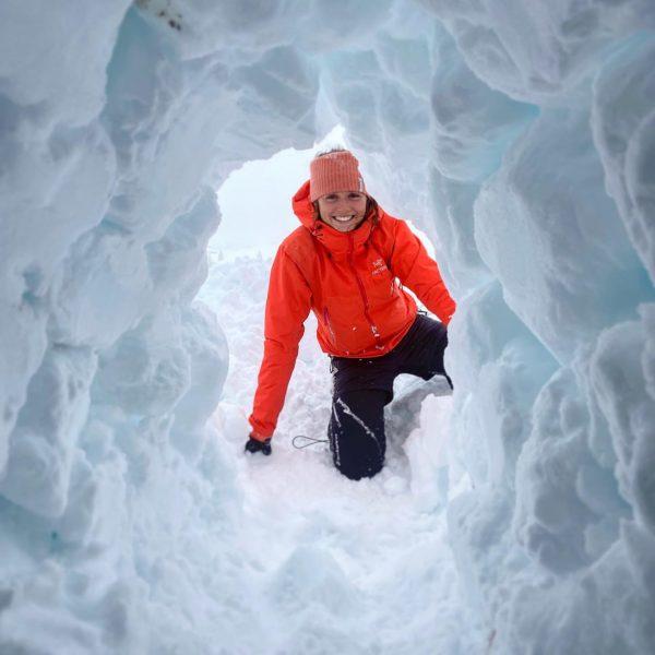 Der richtige Iglubau ist derzeit ebenso Bestandteil der zur Zeit laufenden Winterwanderführer-Ausbildung im #kleinwalsertal. Hier lernen die...