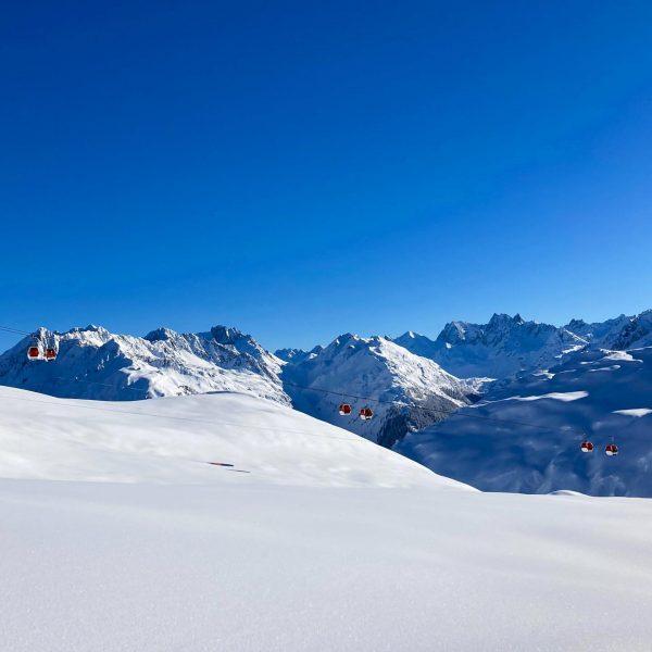 Wir haben heute endlich mal wieder die Kombination aus Sonne und Schnee genossen! Die Sehnsucht war groß...aber...