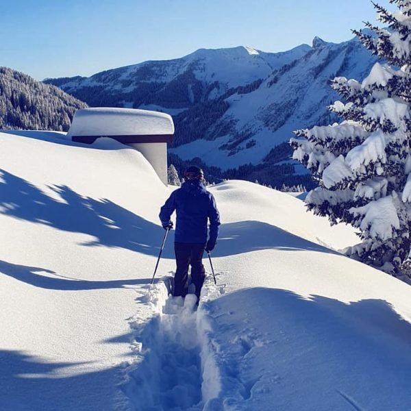 Der Herr des Hauses spurt auch für Sie! ❄️ Skigebiet Damüls - Mellau