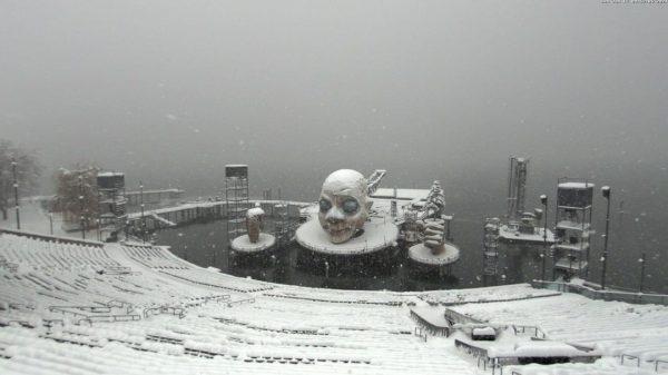 Das muntere Schneeschaufeln ☃️ geht weiter. Gefühlte 🔟✳️ mal musste in diesem Winter ...