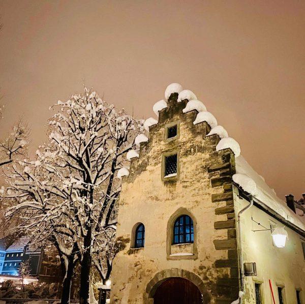 Auf einem abendlichen Spaziergang durch Feldkirch... und weil die Stadt in weiß so ...