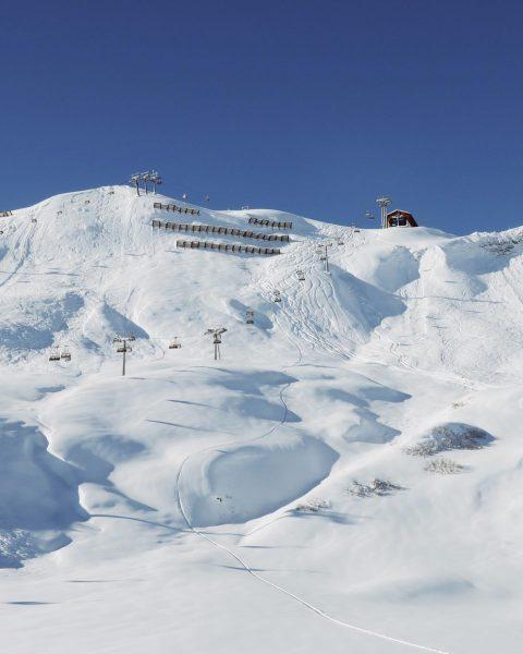 Perfect Saturday! • • • • • • • • #ski #snow #lech #lechamarlberg #visitlech #vorarlberg #visitvorarlberg...