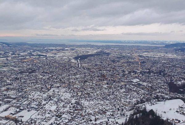 Alles weiß ❄ Schnee über dem Rheintal und ganz Vorarlberg. Im Tal messen ...