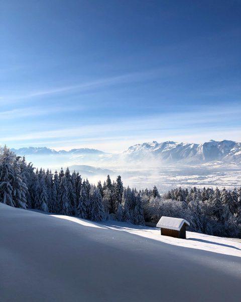 Hütte im Schnee ❄️ . . . #winter #winterwonderland #wintertime #winterishere #vorarlberg #visitvorarlberg ...