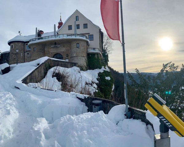 ❄️ Winter Wonderland - Burgrestaurant Gebhardsberg #restaurant #schnee #aussicht #wirfreuenunsaufeinwiedersehen #location #bregenz #bodensee Greber's Burgrestaurant Gebhardsberg
