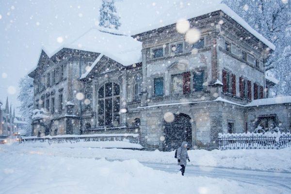 Die Schneemengen hielten die Einsatzkräfte in den vergangenen zwei Tagen ordentlich auf Trab. ...