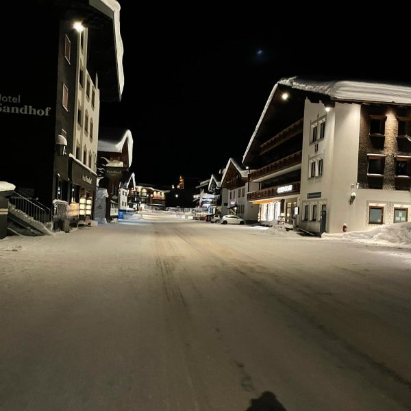 January 19 at 21.30 walking through Lech. Not a car or person in ...