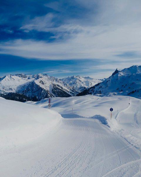 Perfekte Bedinungen am @sonnenkopfklostertal ❄️🎿 Ein Traumtag für einen perfekten Skitag in unseren ...