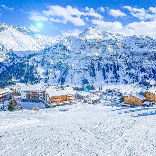 Bis die nächste Arlbergzeitung erscheint dauerts leider noch ein bisschen. Bis dahin genießen wir die traumhaften Pisten...